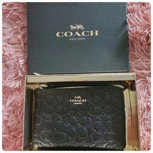 Coach - Boxed Corner Zip Wristlet - NWT